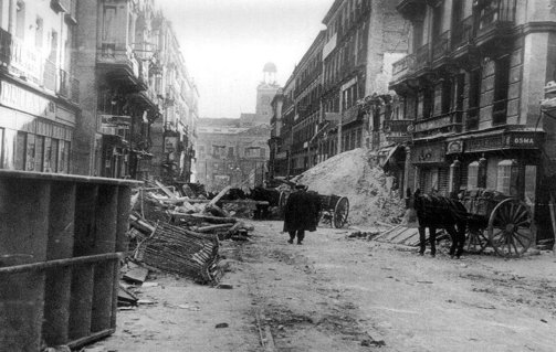 calle en madrid durante la guerra